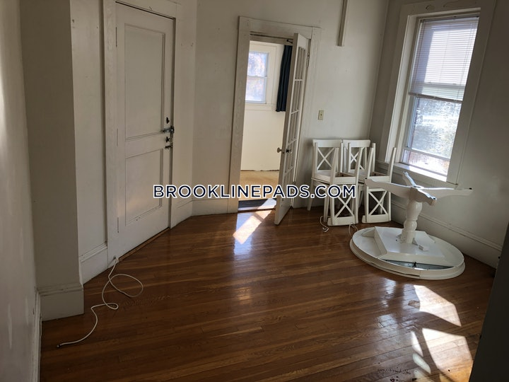 brookline-1-bed-1-bath-washington-square-2100-3706228