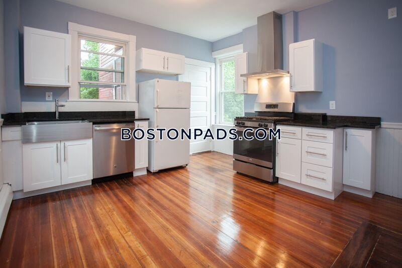 CAMBRIDGE - CENTRAL SQUARE/CAMBRIDGEPORT - $3,900