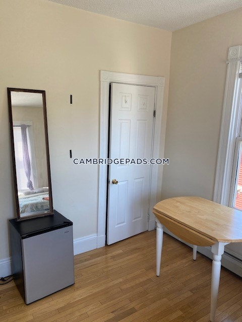 Cambridge - $3,500