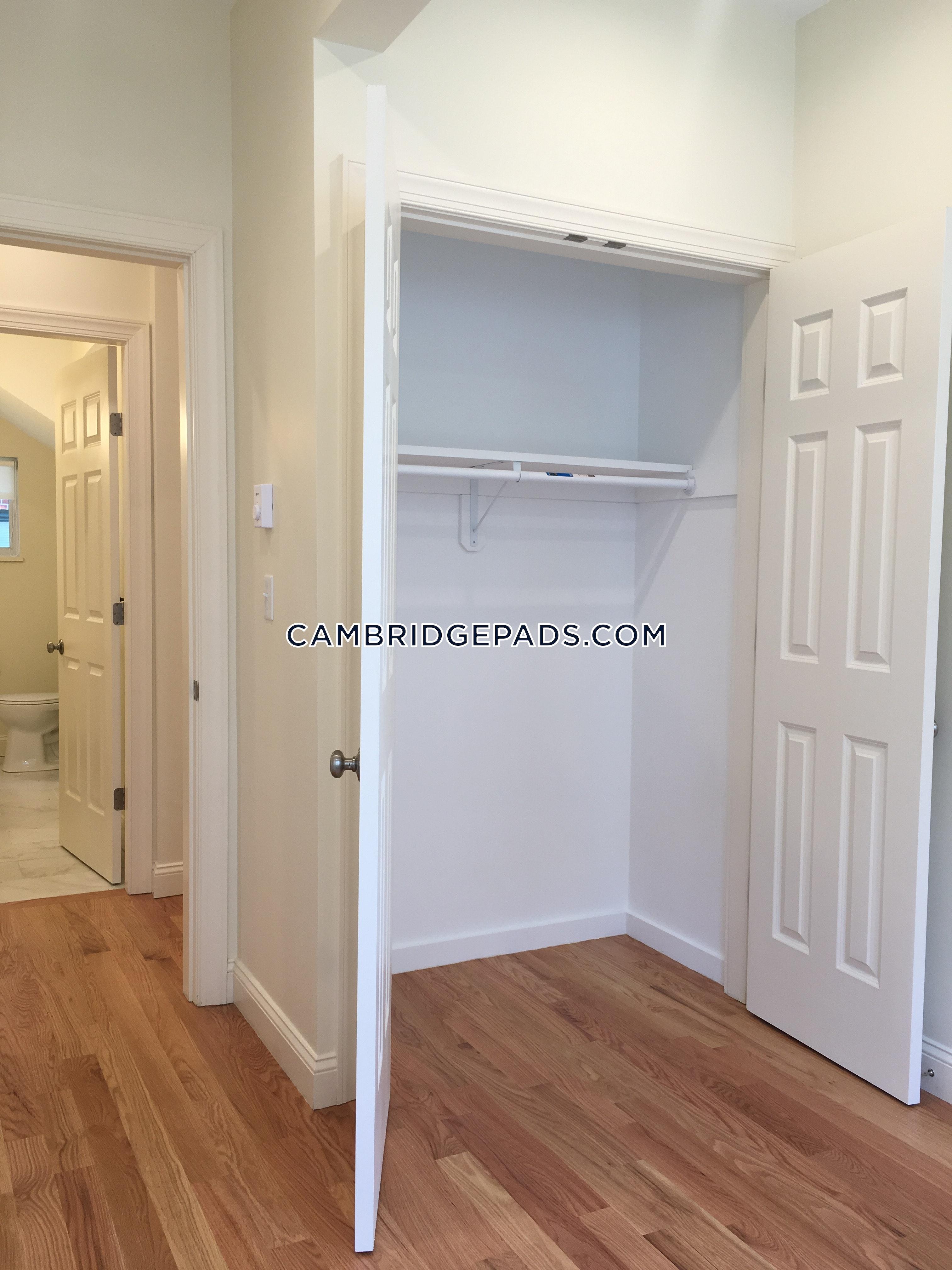 CAMBRIDGE - HARVARD SQUARE - $2,900