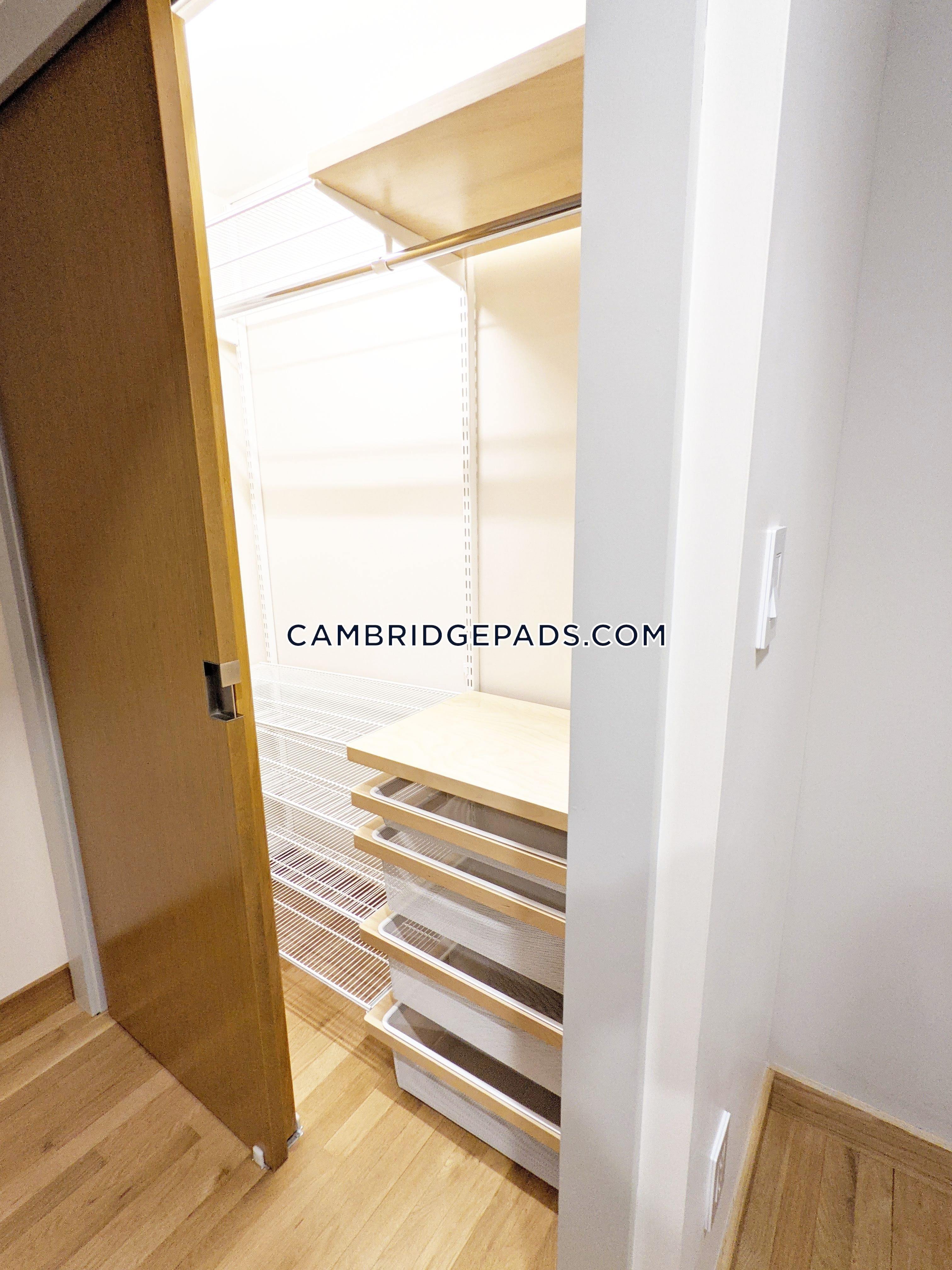 Cambridge - $2,600