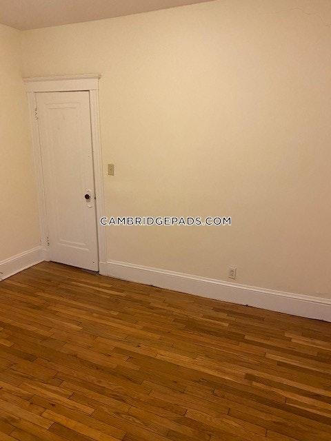 Cambridge - $2,700