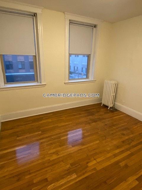 Cambridge - $2,900
