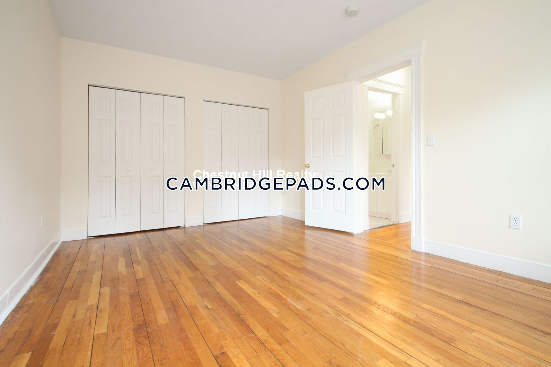 CAMBRIDGE - HARVARD SQUARE - $4,645