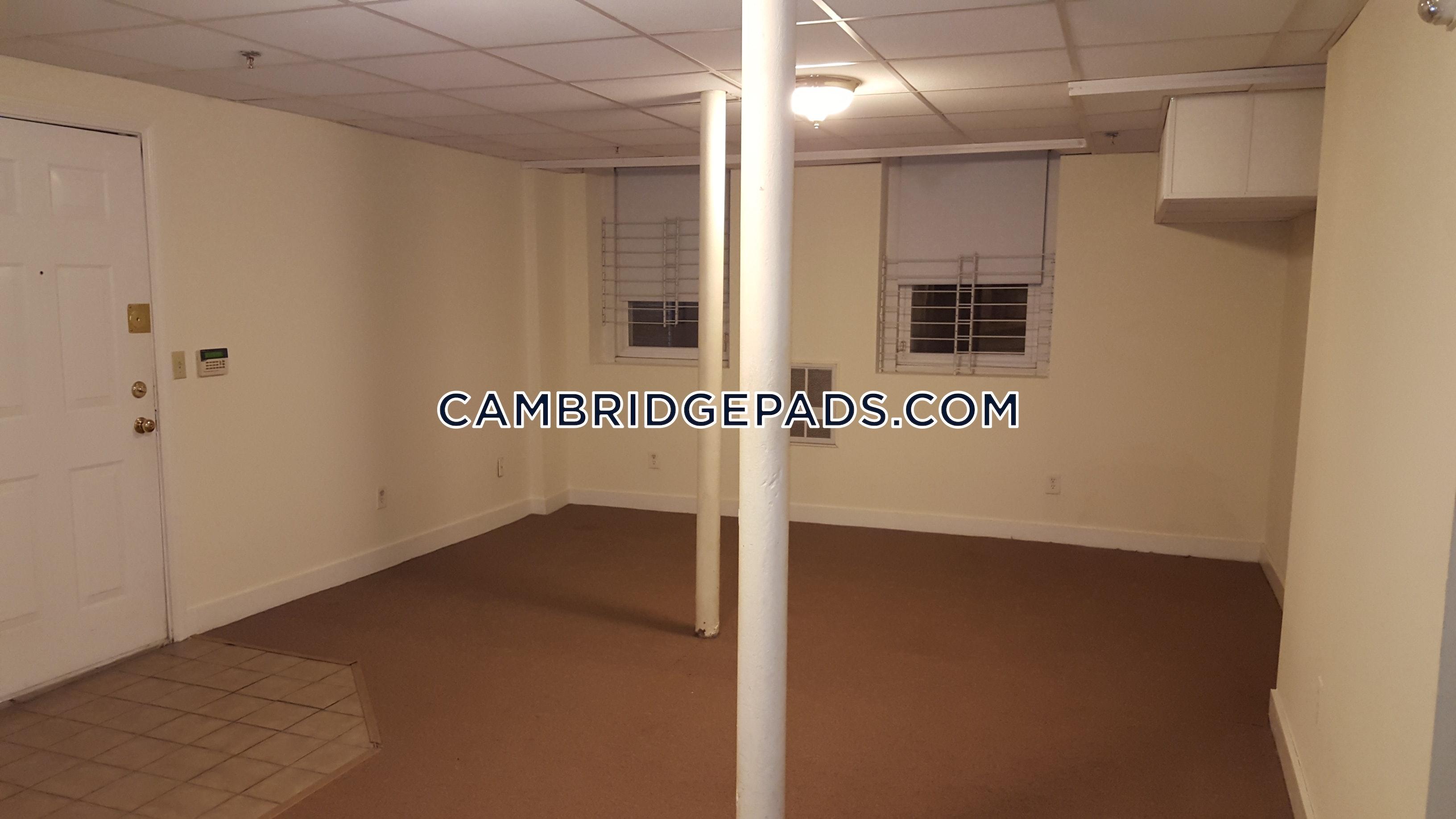 CAMBRIDGE - HARVARD SQUARE - $2,550