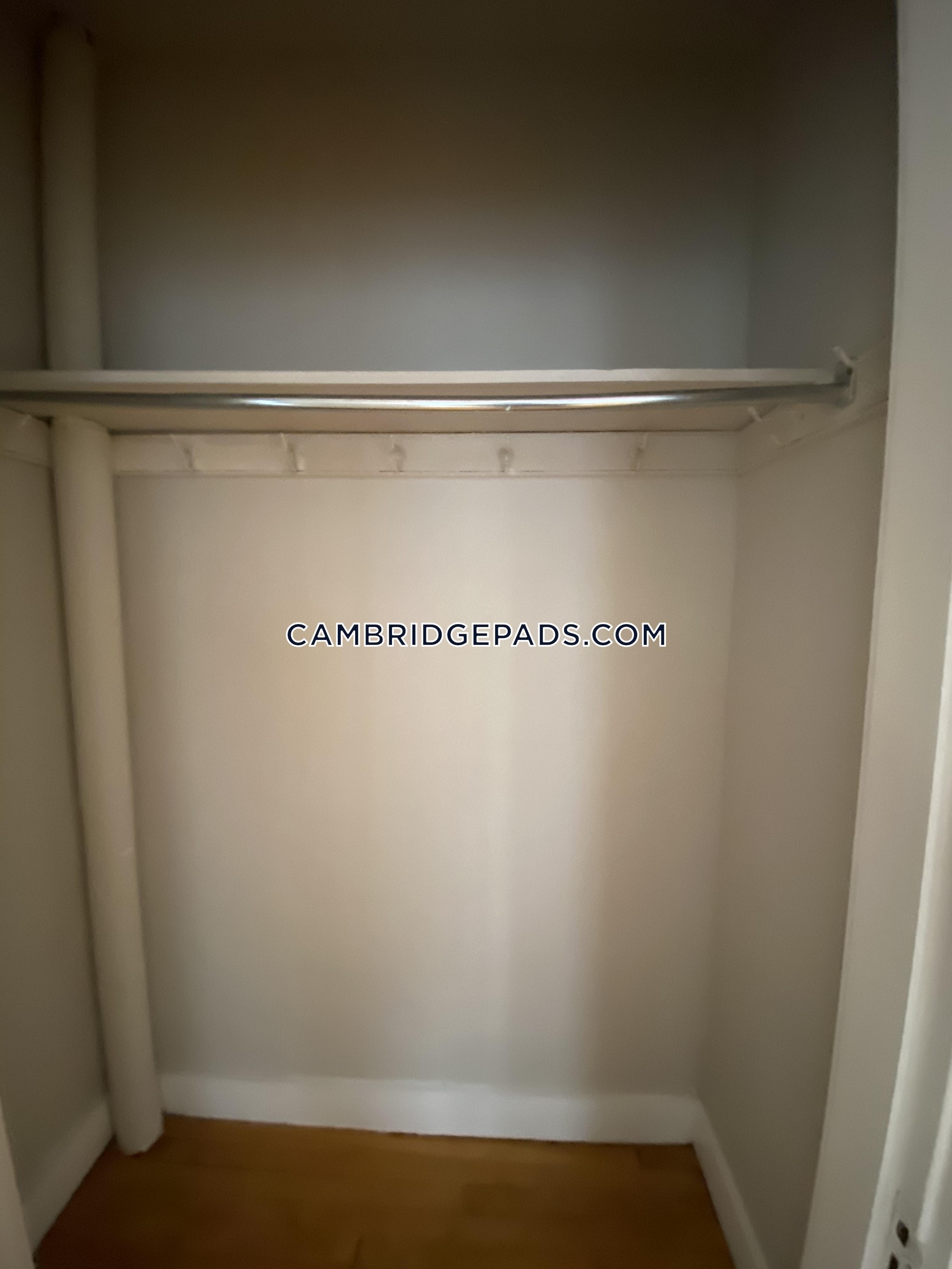 Cambridge - $2,395