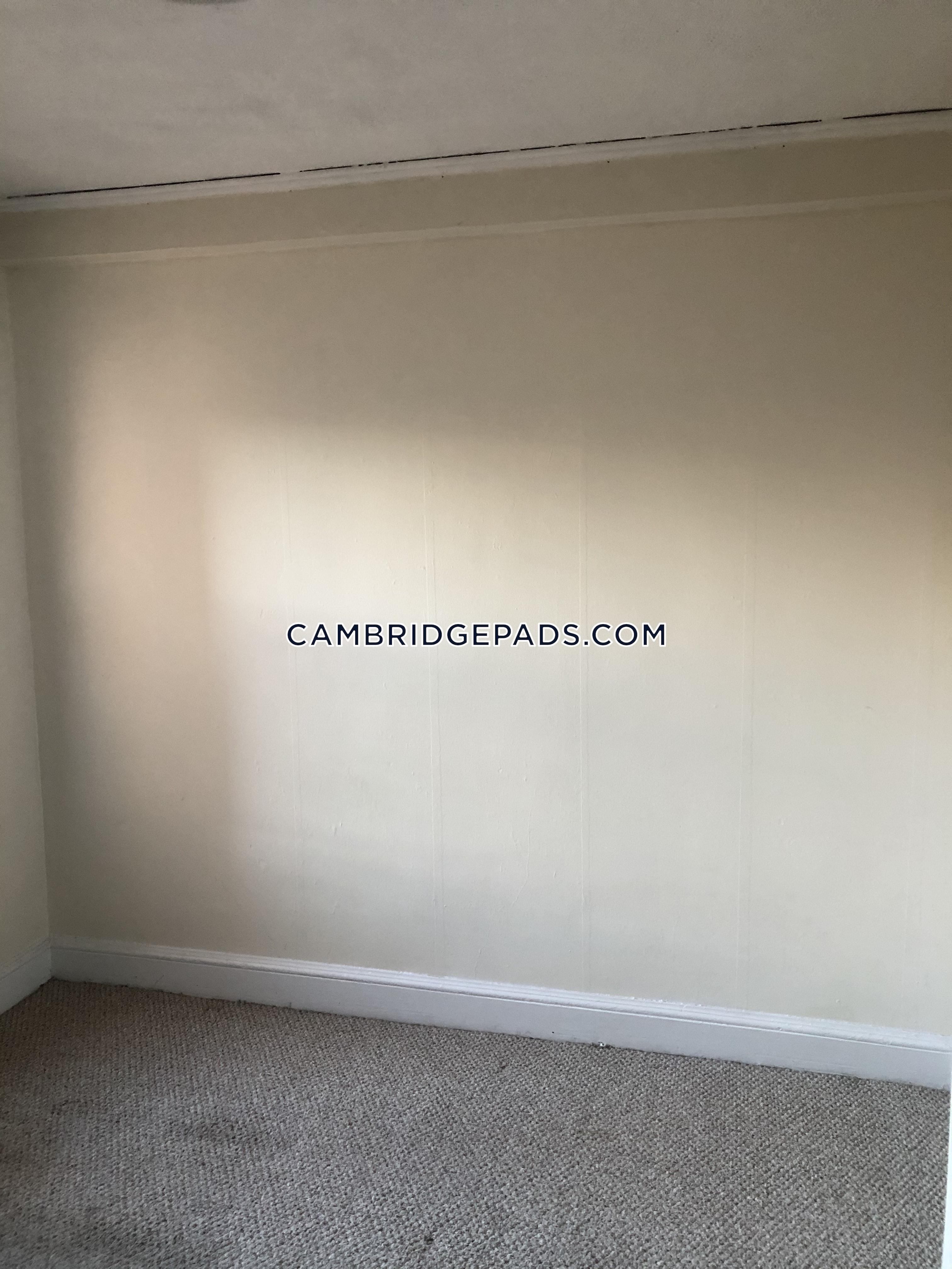 Cambridge - $2,200