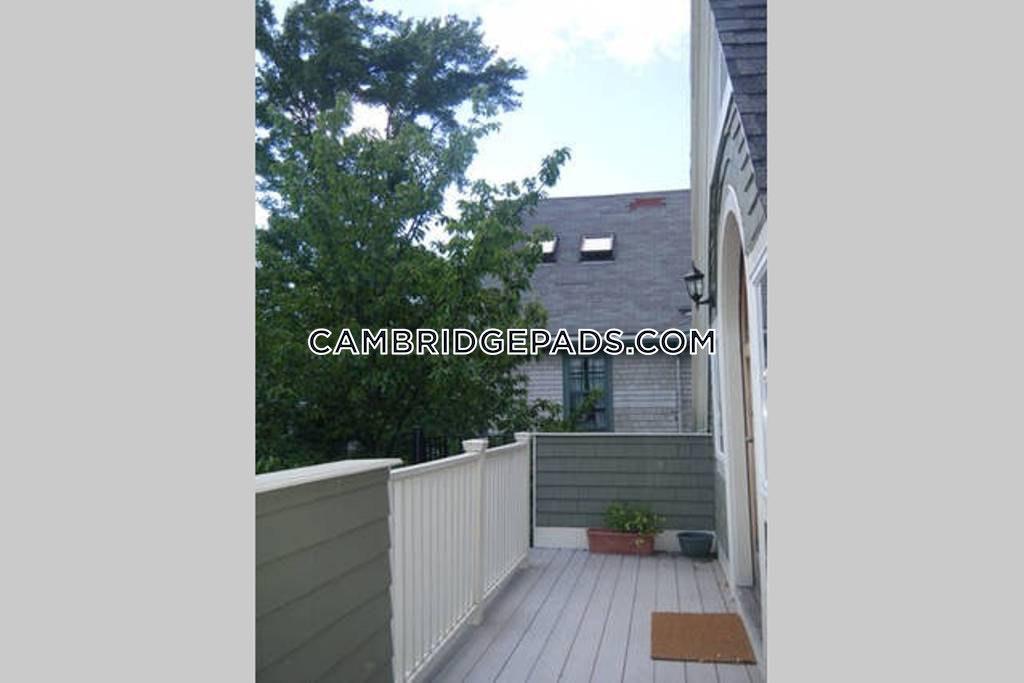 CAMBRIDGE - HARVARD SQUARE - $2,650