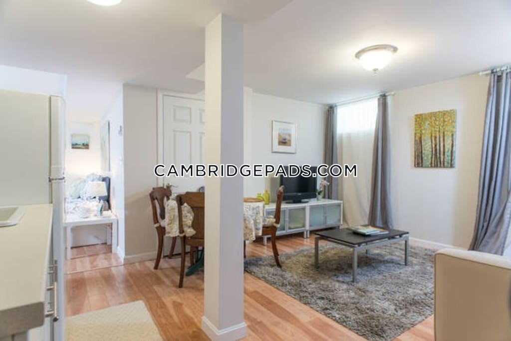 CAMBRIDGE - HARVARD SQUARE - $2,600