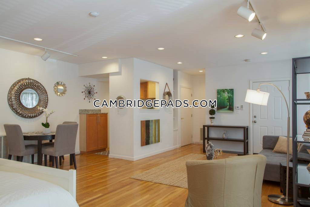 CAMBRIDGE - HARVARD SQUARE - $2,650