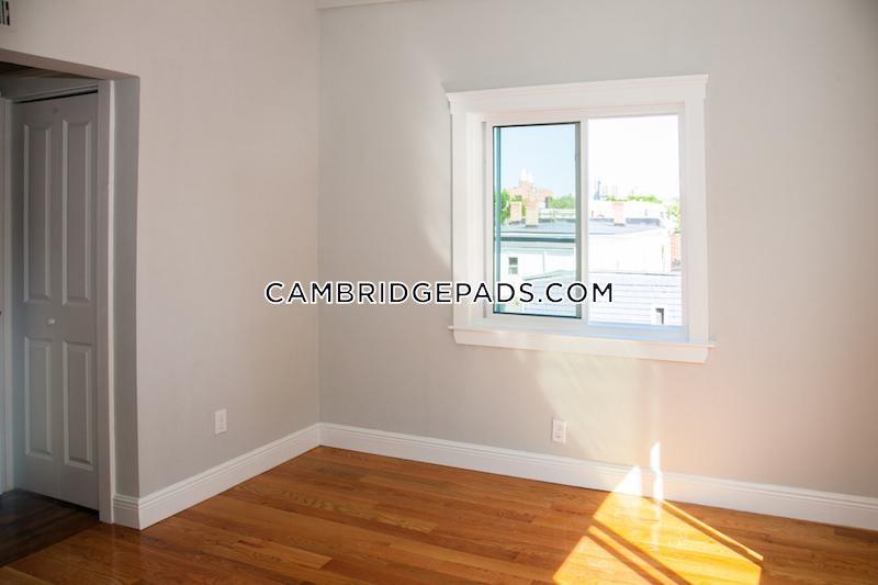 Cambridge - $4,425