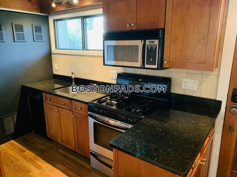 CAMBRIDGE - MT. AUBURN/BRATTLE/ FRESH POND - $3,000
