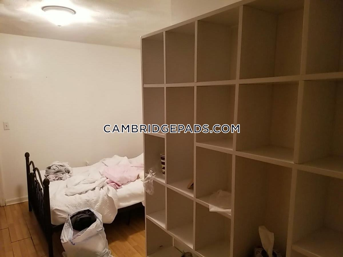 Cambridge - $2,400