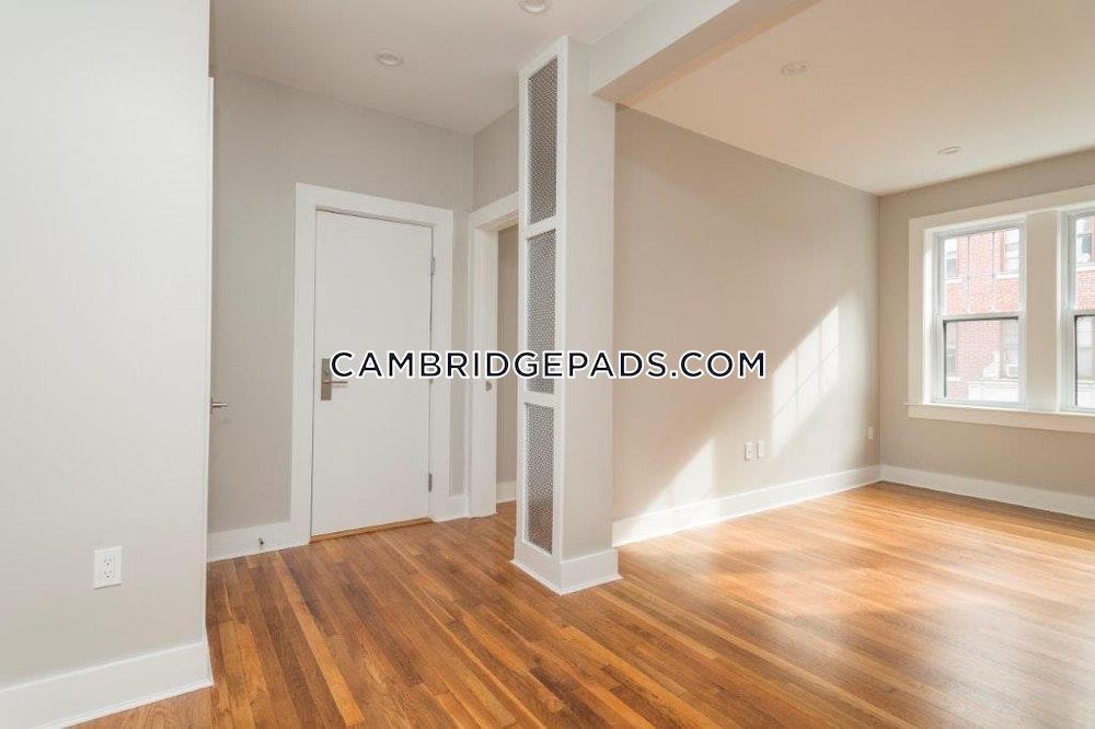 Cambridge - $2,760