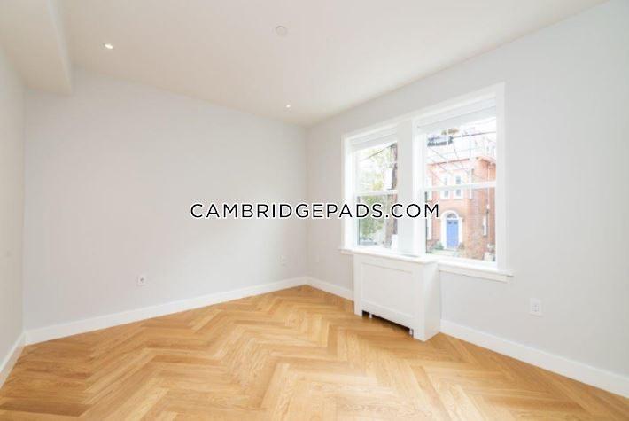 Cambridge - $2,850