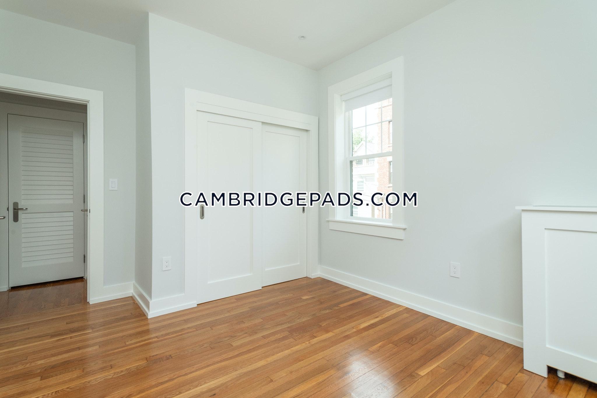 Cambridge - $2,890