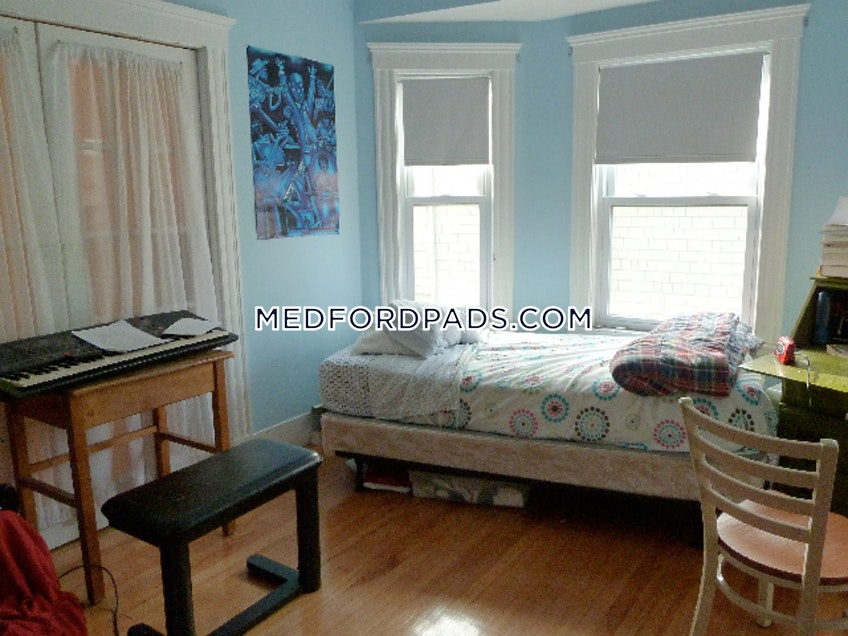 Medford - $2,700 /month