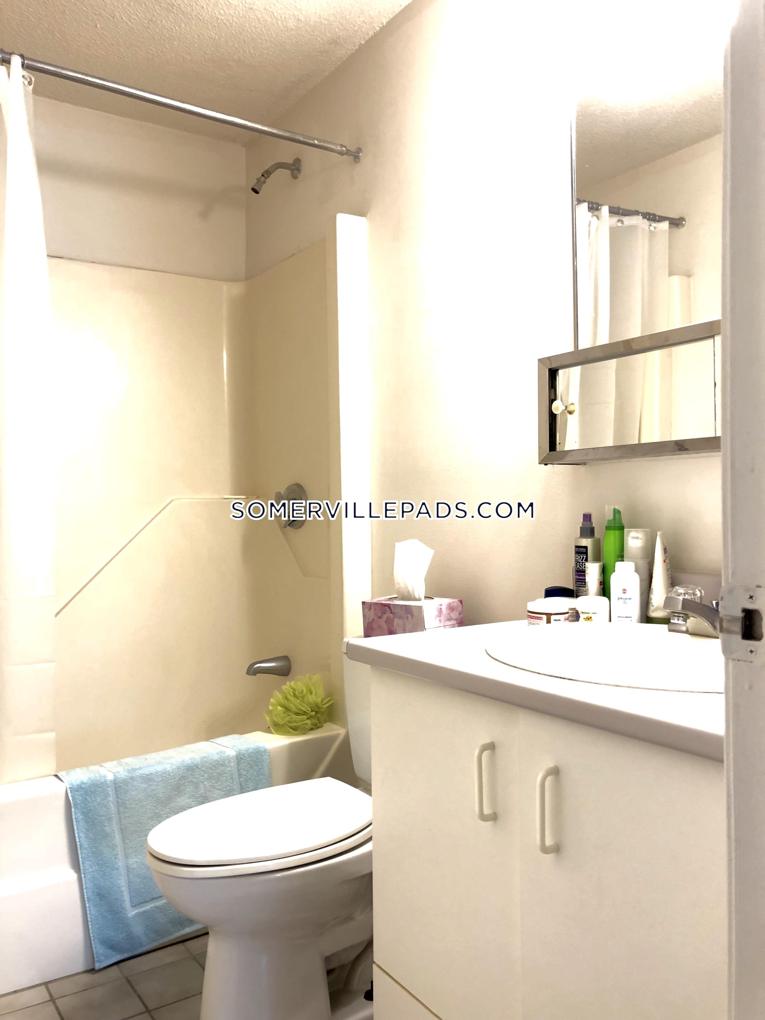2-beds-2-baths-somerville-dali-inman-squares-2995-436672