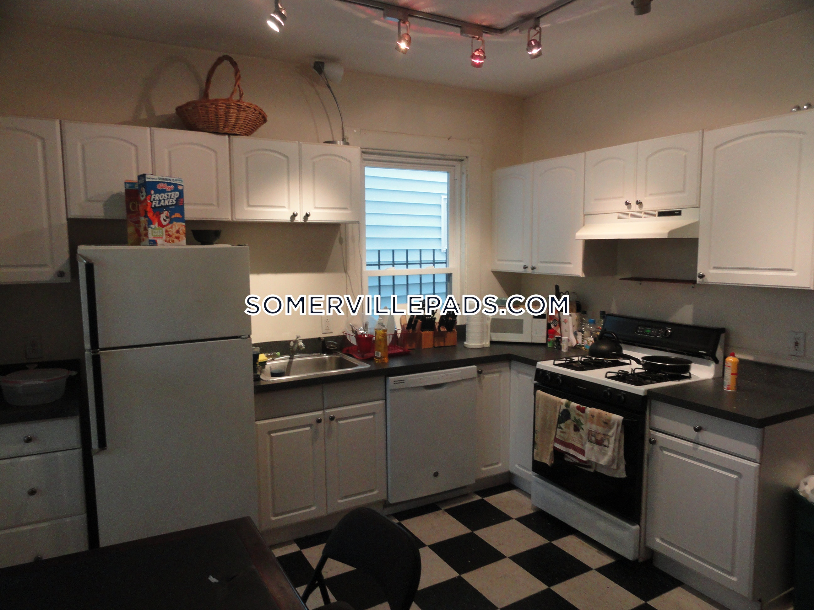 3-beds-1-bath-somerville-dali-inman-squares-3275-440414
