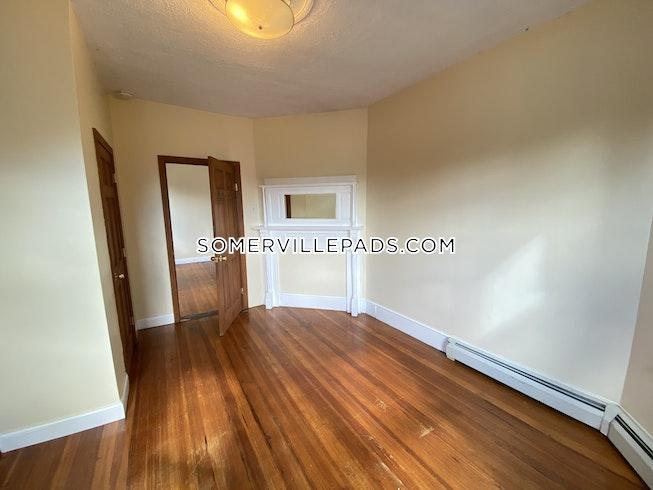 Somerville - $2,400 /mo