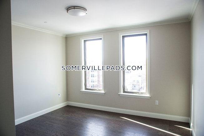 SOMERVILLE - EAST SOMERVILLE - $4,600 /mo