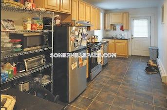 somerville-2-beds-1-bath-porter-square-2525-3785001
