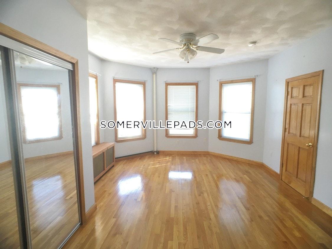 3-beds-1-bath-somerville-porter-square-2700-388615
