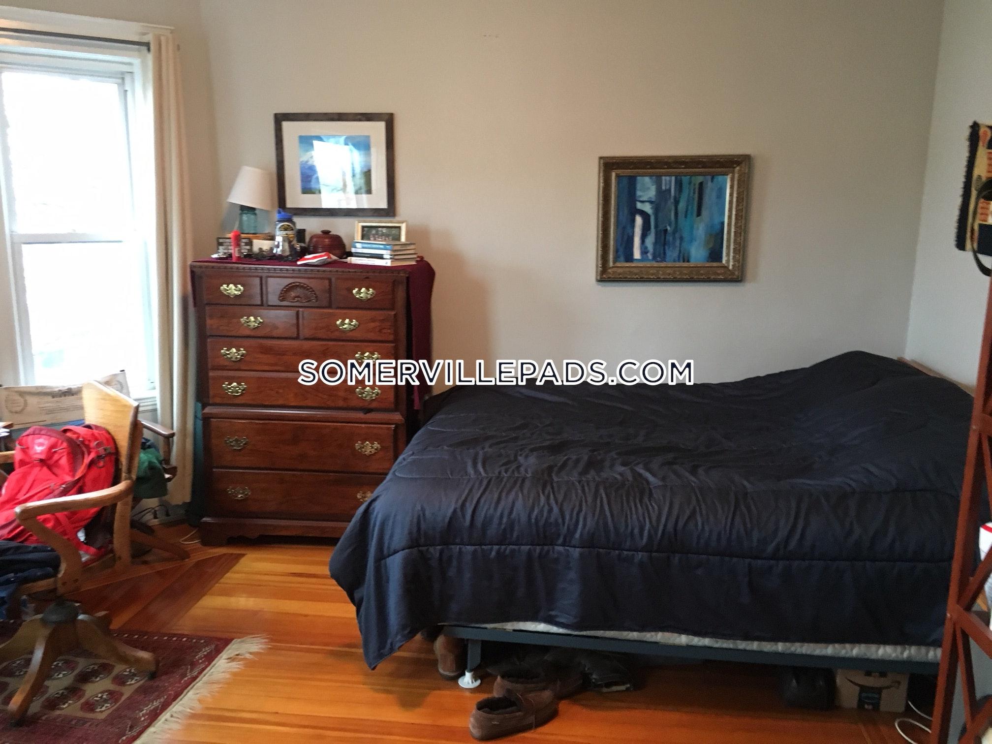 3-beds-1-bath-somerville-tufts-3250-445002