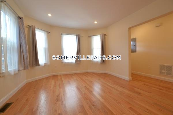 4-beds-3-baths-somerville-tufts-4000-457508