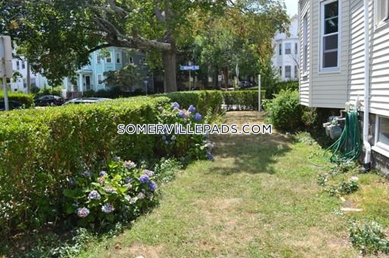 4-beds-1-bath-somerville-west-somerville-teele-square-3300-457641