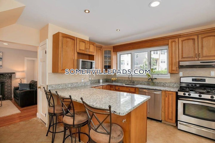 somerville-3-bed-2-bath-west-somerville-teele-square-3600-588566