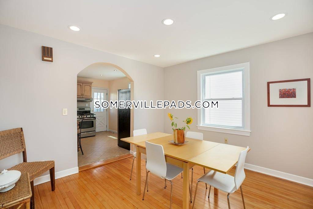 3-beds-2-baths-somerville-west-somerville-teele-square-3300-457541