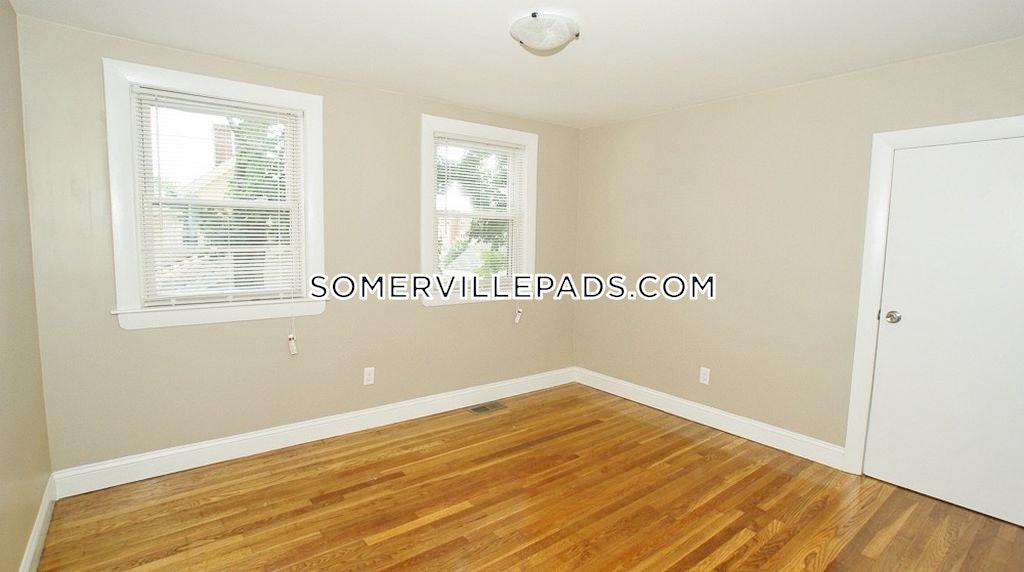 3-beds-2-baths-somerville-winter-hill-3200-99634