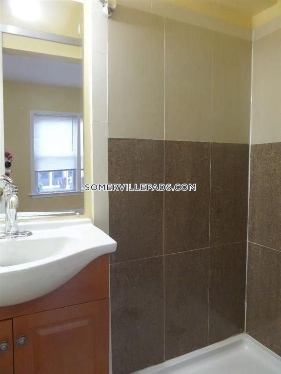 3-beds-3-baths-somerville-winter-hill-2850-100676