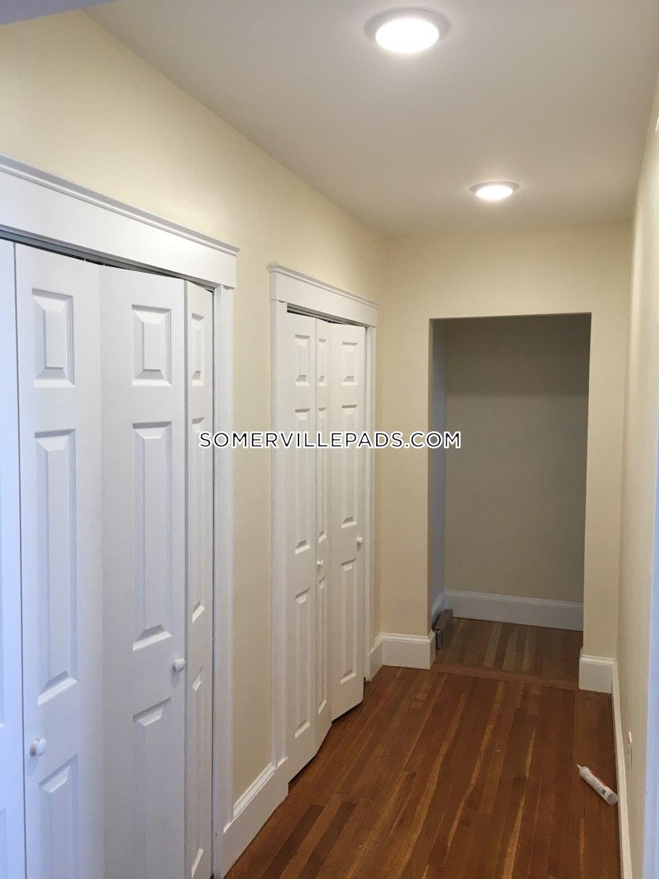 2-beds-1-bath-somerville-winter-hill-2450-461555