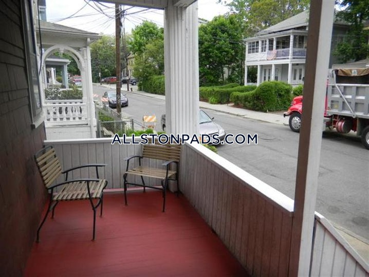 Boston - Allston - 4 Beds, 2 Baths - $3,000