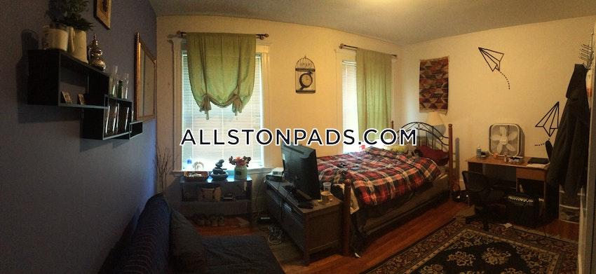BOSTON - ALLSTON - 4 Beds, 1 Bath - Image 2