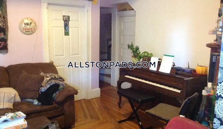 Boston - Allston - 5 Beds, 2 Baths - $4,000