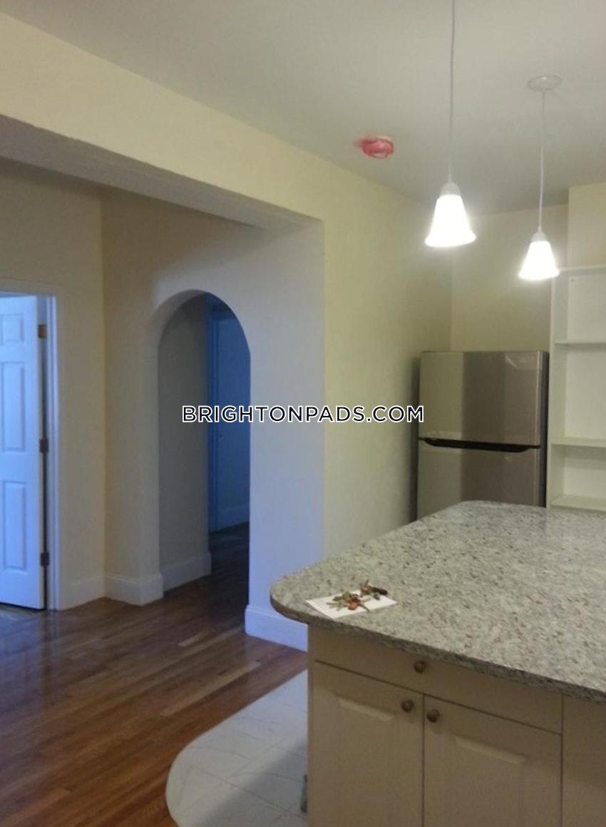 BOSTON - BRIGHTON - BOSTON COLLEGE - 3 Beds, 1 Bath - Image 4