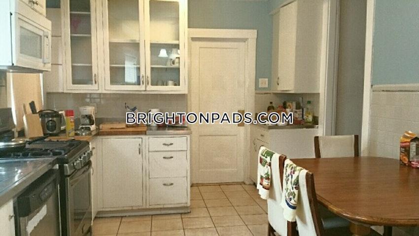 NEWTON - CHESTNUT HILL - 4 Beds, 2 Baths - Image 6