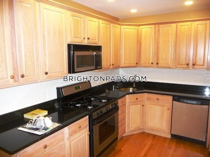Boston - Brighton - Cleveland Circle - 3 Beds, 2 Baths - $4,000