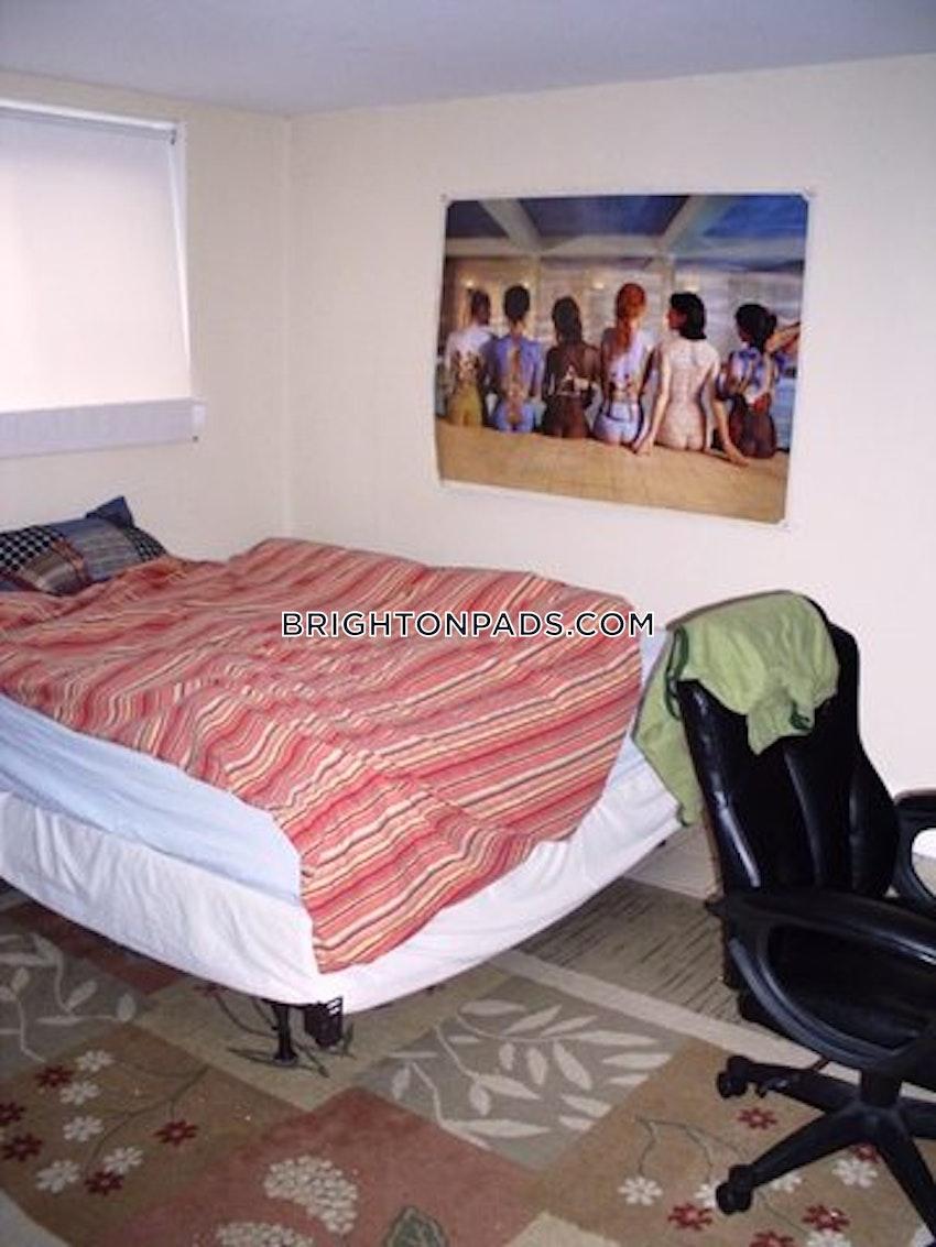 BOSTON - BRIGHTON - BOSTON COLLEGE - 3 Beds, 1 Bath - Image 6