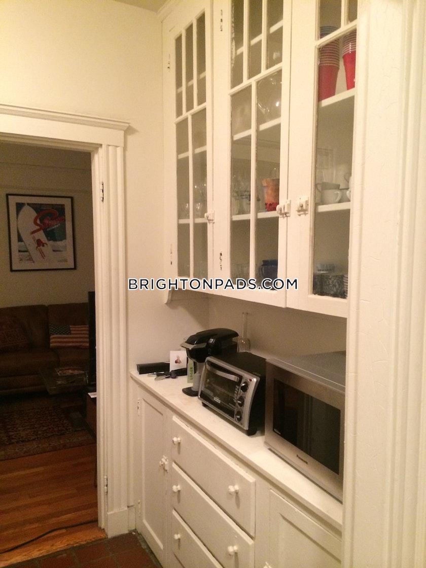 1 Bed Apartment For 1 950 Mo In Boston Brighton