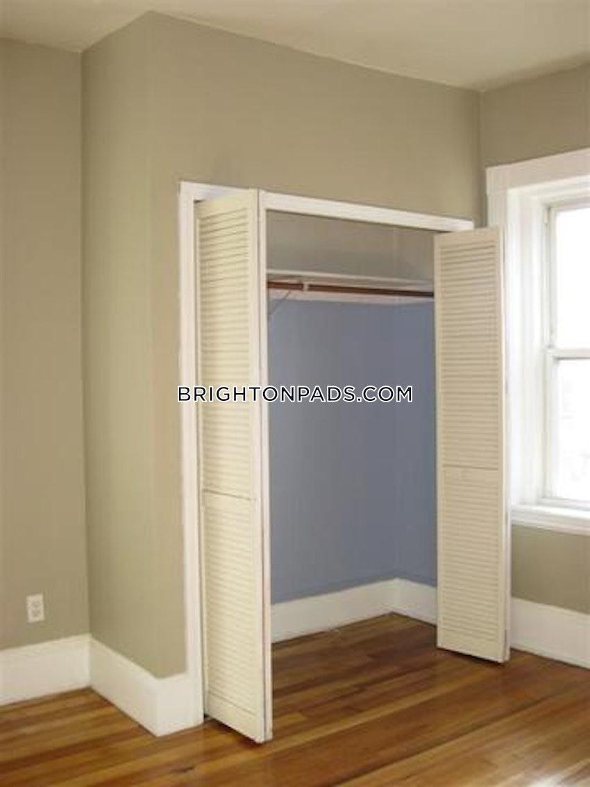 BOSTON - BRIGHTON - OAK SQUARE - 4 Beds, 1.5 Baths - Image 17