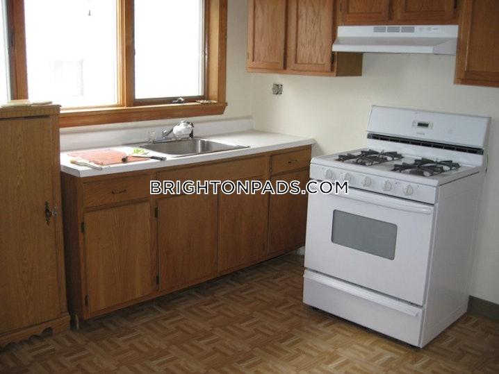 Boston - Brighton - Oak Square - 2 Beds, 1 Bath - $1,950