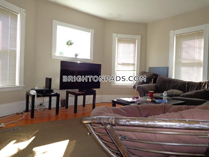 BOSTON - BRIGHTON - OAK SQUARE - 3 Beds, 1 Bath - Image 1