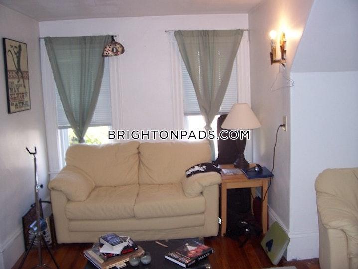 BOSTON - BRIGHTON - OAK SQUARE - 3 Beds, 1 Bath - Image 3