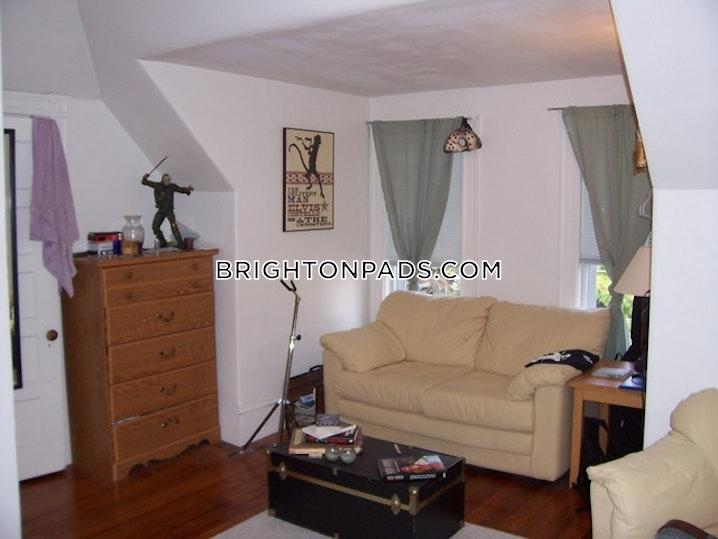 BOSTON - BRIGHTON - OAK SQUARE - 3 Beds, 1 Bath - Image 2