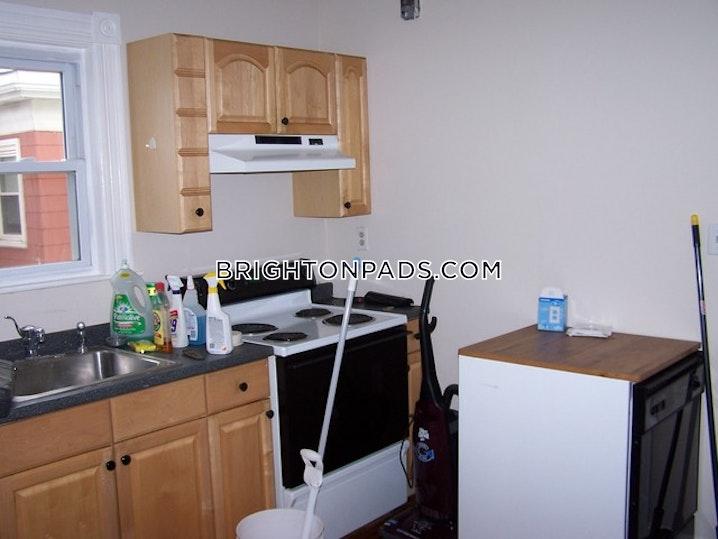 BOSTON - BRIGHTON - OAK SQUARE - 3 Beds, 1 Bath - Image 9