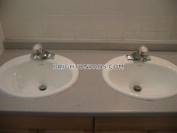 Brighton Apartment for rent 4 Bedrooms 1 Bath Boston - $3,100